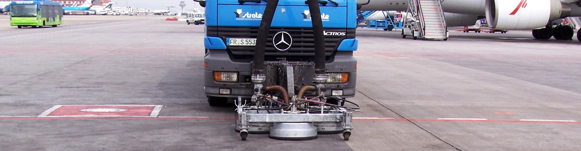 Vorfeldreinigung-Madrid-Frontansicht_BGS-Strate-Wasserhochdrucktechnik