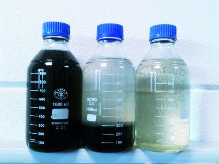 Wasseraufbereitung-Probeflaschen_BGS-Strate-Wasserhochdrucktechnik