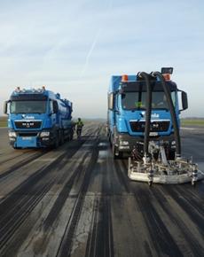tankwagen-mit-arbeitsmaschine_BGS-Strate-Wasserhochdrucktechnik